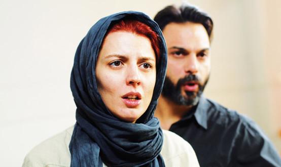 Une Séparation: Par Asghar Farhadi, réalisateur, producteur, scénariste, chef décorateur et costumier