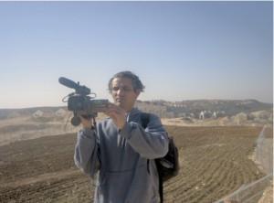 Emad Burnat coréalisateur de Five Broken Cameras qui viendra sur place échanger avec noussur la situation à Bill'in et en Palestine.