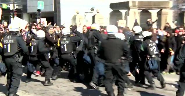 Une image déplorable de la répression violente exercée par les policiers