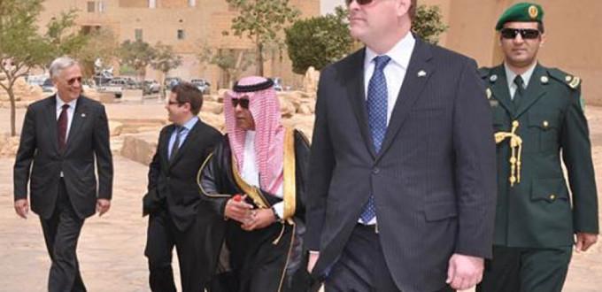 Le Ministre des Affaires étrangères John Baird à Riyadh, en Arabie Saoudite le 20 Mars 2012. DFATD Photo.