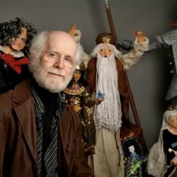 Claude Lafortune,  concepteur visuel, sculpteur de papier, animateur télévision