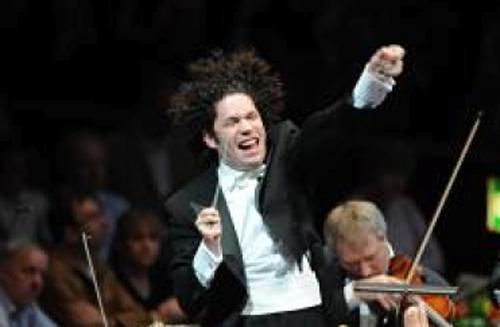 Gustavo Dudamel en action