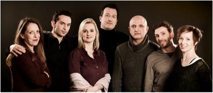 De gauche à droite : Gypsy Snider, Samuel Tétreault, Shana Carroll, Sébastien Soldevila, Nassib El-Husseini, Patrick Léonard et Isabelle Chassé