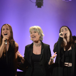 Judi Richards, Karine et Sarah-Émilie Deschamps