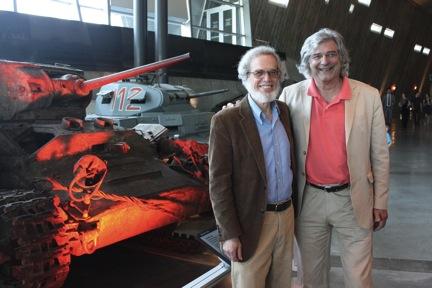 Lawrence Wittner et Pierre Jasmin au Musée de la Guerre à Ottawa (5 juin 2013)