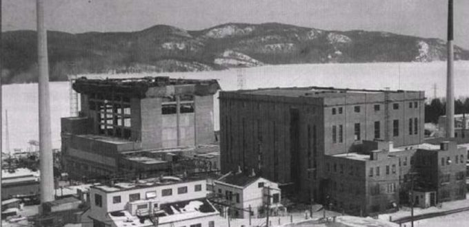 chalk-river-zeep-in-february-1954-with-nrx-and-nru-reactor