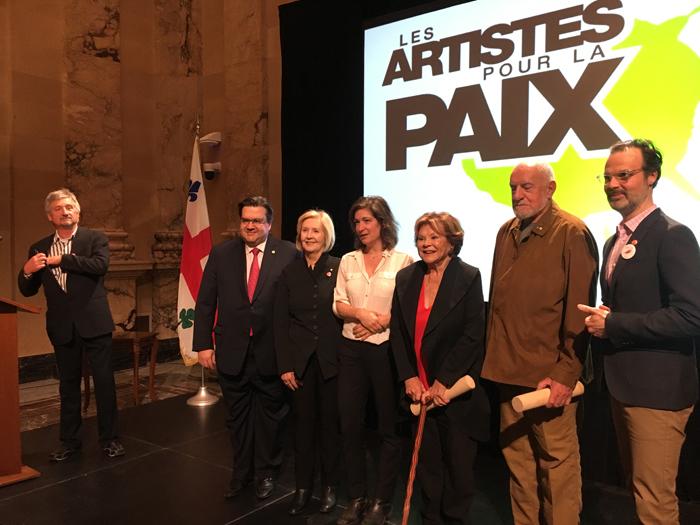 Le maire Denis Coderre, Andrée Lachapelle, Andréanne Mélançon, Janette Bertrand, René Derouin et domlebo.