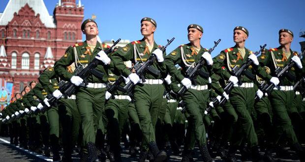 La propagande vise à susciter la méfiance et la peur de la Russie dans l'opinion publique.